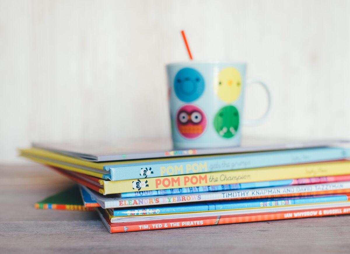 childrens books 1246675 1920